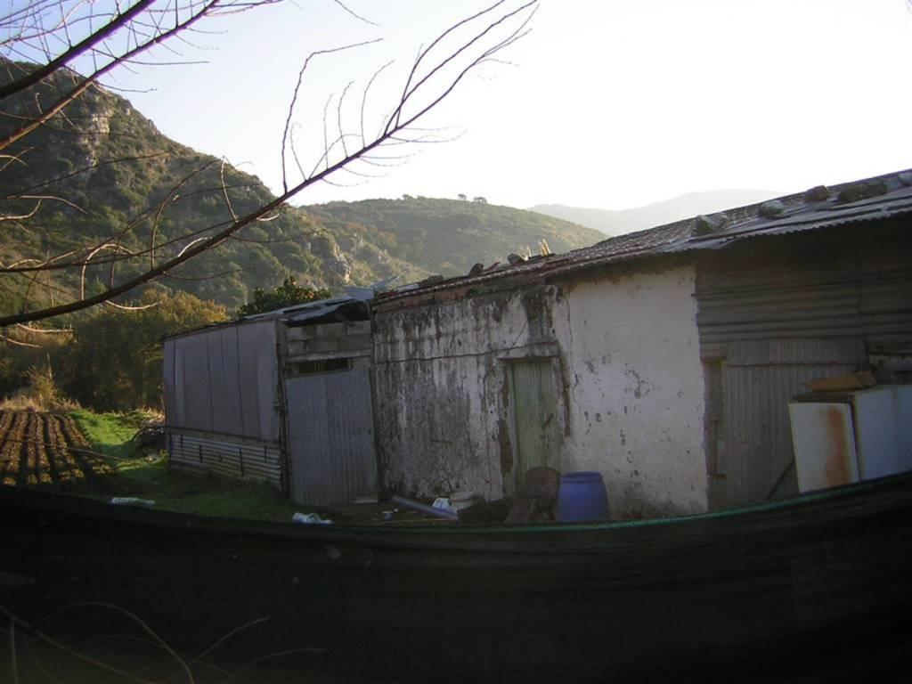 Rustico / Casale da ristrutturare in vendita Rif. 8133576