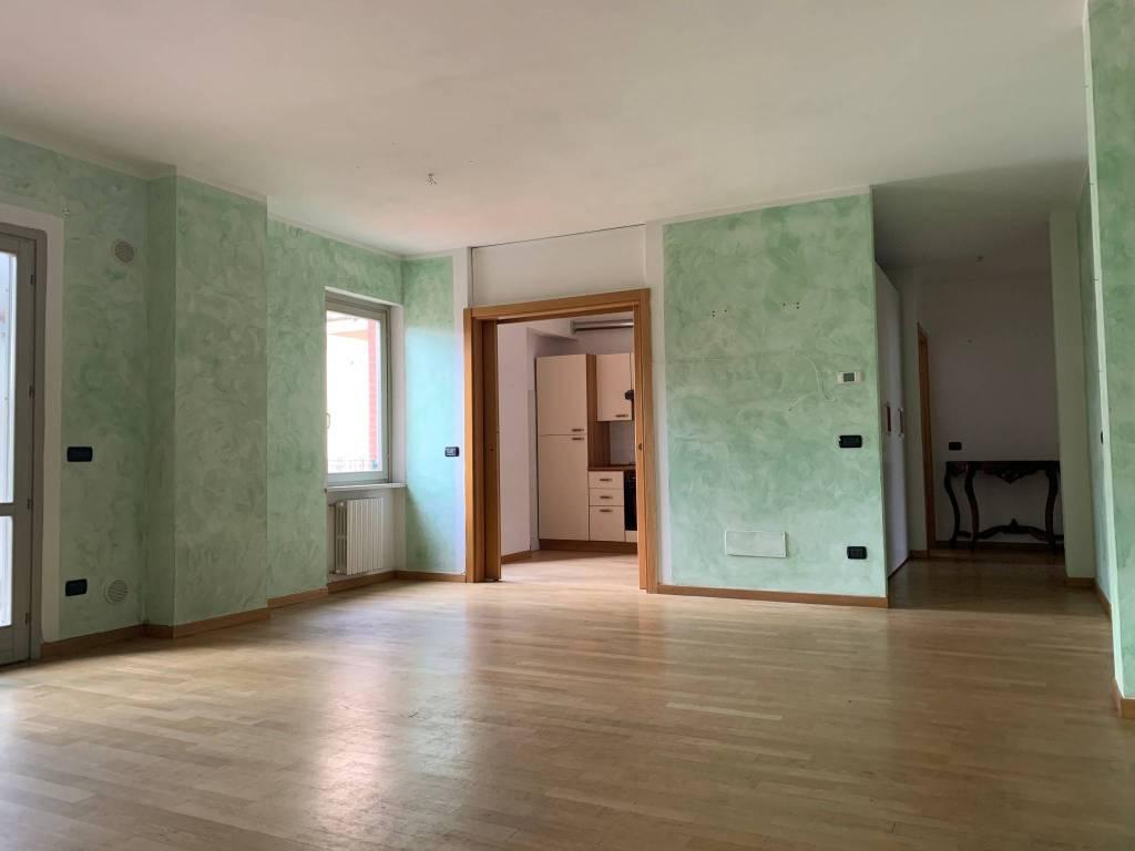 Appartamento in Affitto a Pistoia Centro: 2 locali, 76 mq