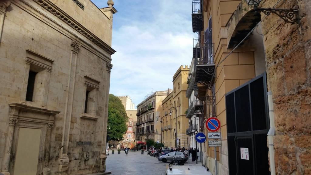 Appartamento in Affitto a Palermo Centro: 2 locali, 56 mq