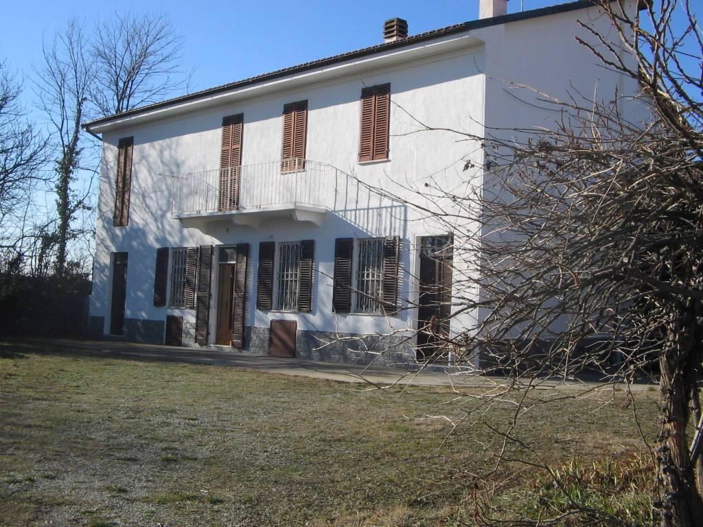 Rustico / Casale in vendita a Odalengo Piccolo, 9999 locali, prezzo € 150.000 | PortaleAgenzieImmobiliari.it