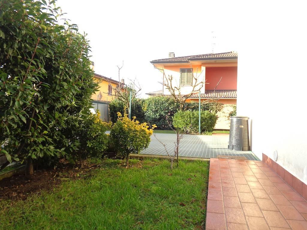 Appartamento in vendita a Caravaggio, 3 locali, prezzo € 119.000   PortaleAgenzieImmobiliari.it