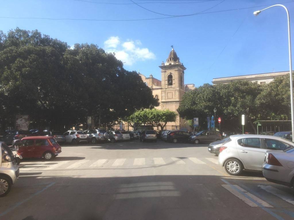 Appartamento in Vendita a Palermo Centro: 5 locali, 180 mq