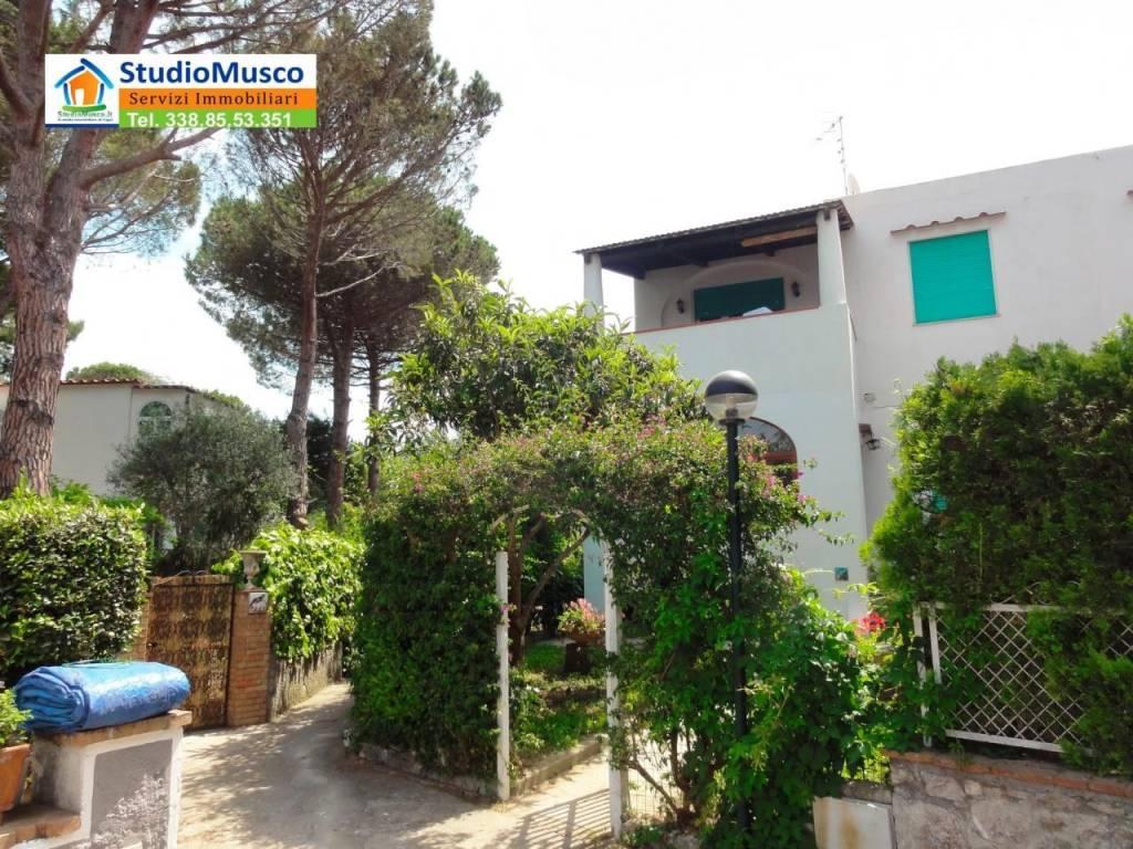 Appartamento in vendita a Anacapri, 4 locali, prezzo € 750.000 | CambioCasa.it
