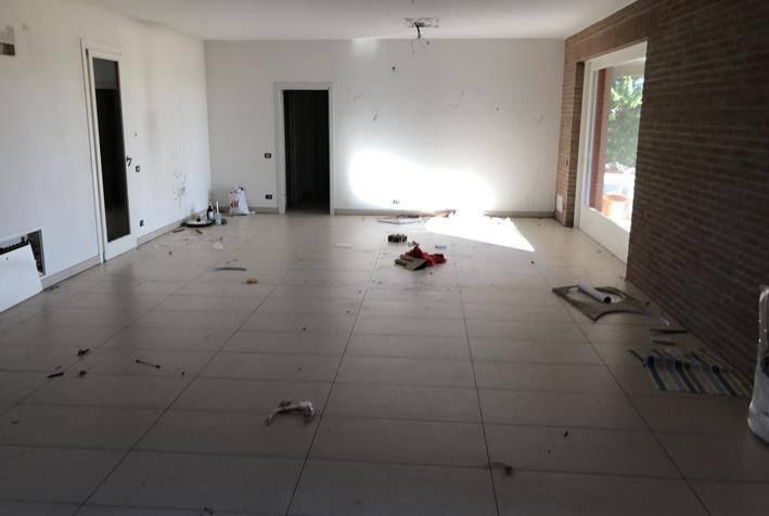 Villa in vendita a Villa Bartolomea, 6 locali, prezzo € 290.000 | CambioCasa.it