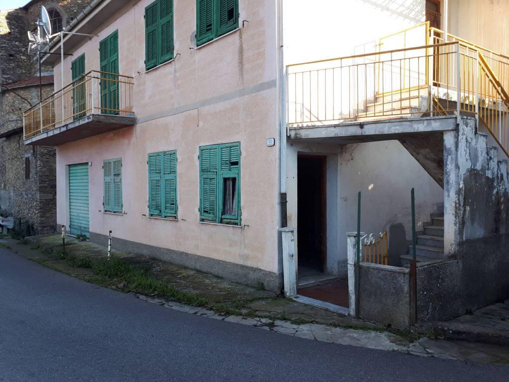 Appartamento in vendita a Borgomaro, 3 locali, prezzo € 28.000 | CambioCasa.it