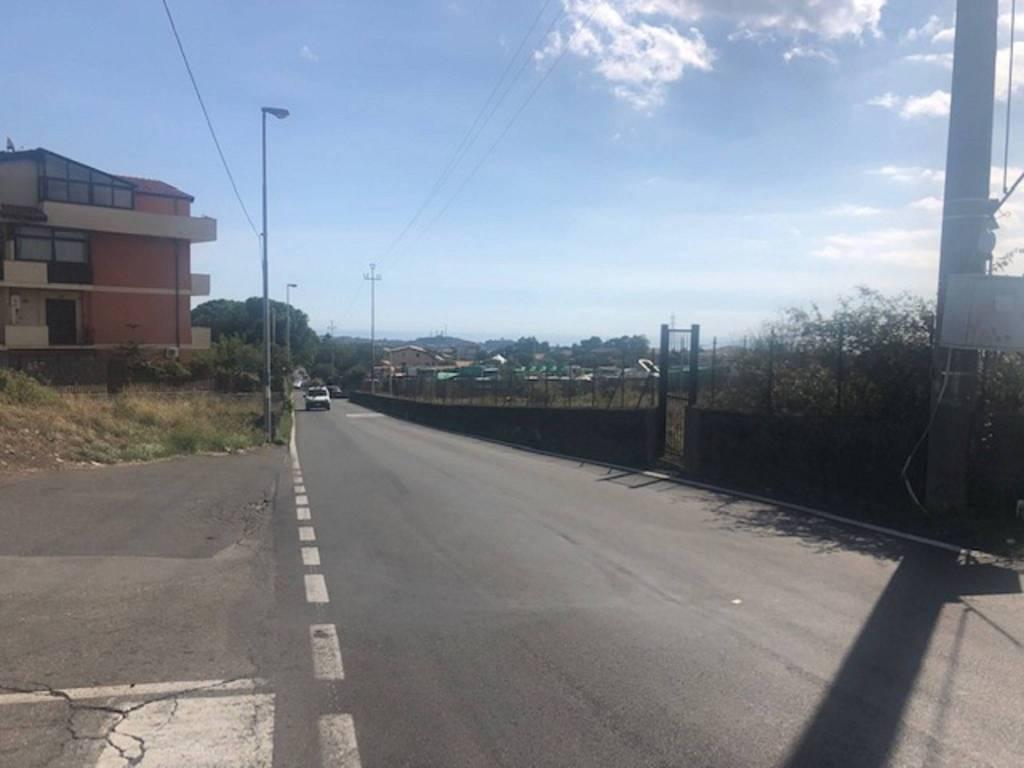 Terreno commerciale in Vendita a San Giovanni La Punta Centro: 10000 mq