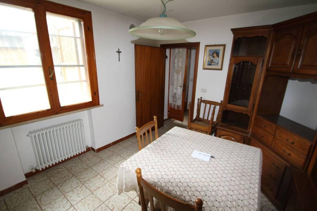 Appartamento in Vendita a Savignano Sul Rubicone Centro: 4 locali, 144 mq