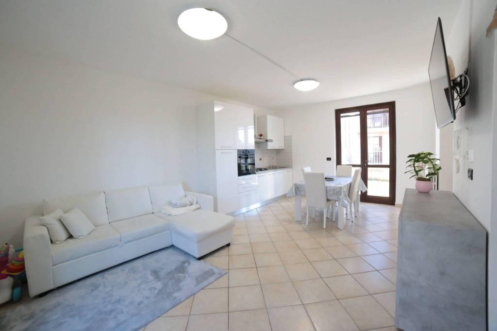 Foto 1 di Villa via Fumeri 60, Carmagnola