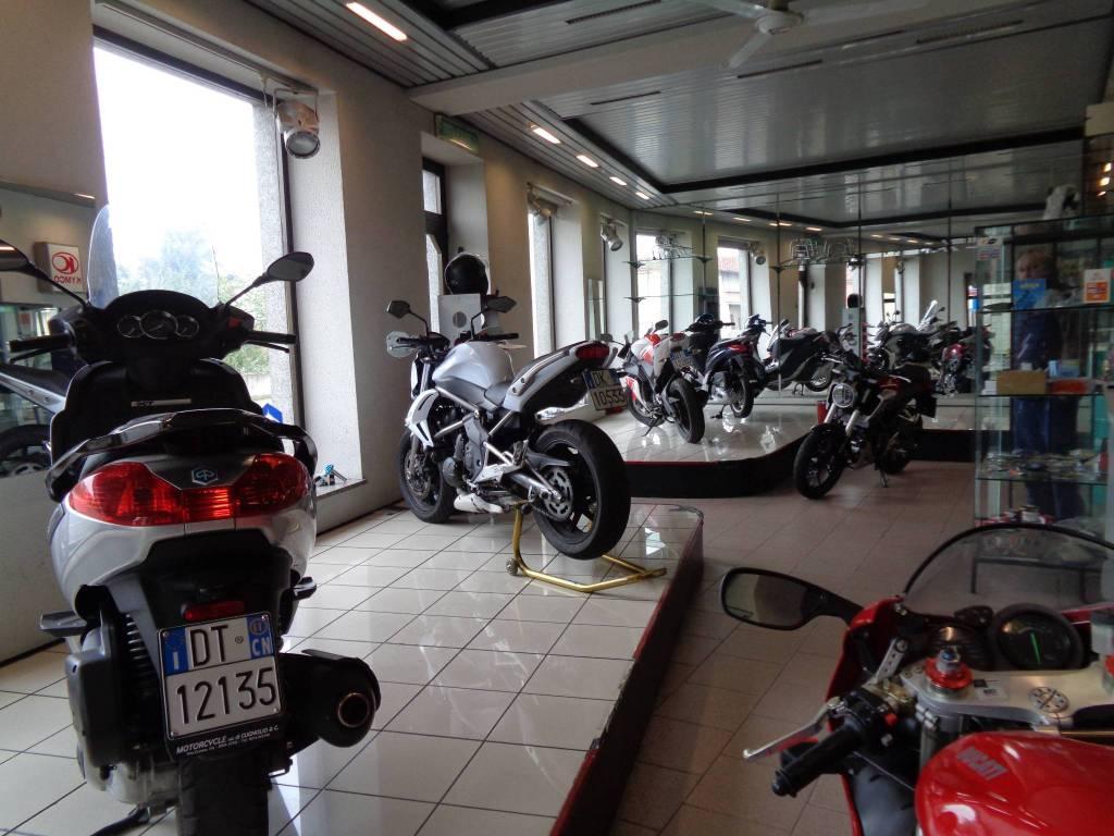 Negozio / Locale in vendita a Bra, 4 locali, Trattative riservate | PortaleAgenzieImmobiliari.it