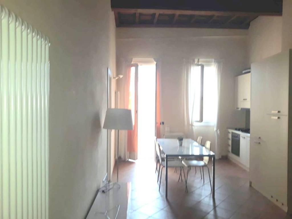 Appartamento in Affitto a Ferrara Centro: 2 locali, 65 mq