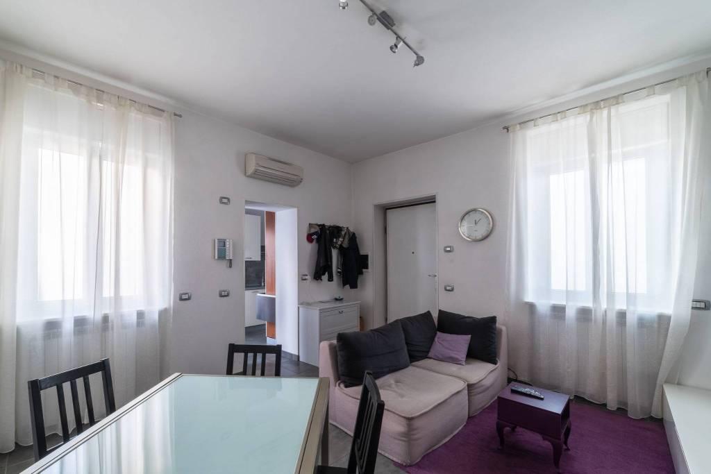 Appartamento in buone condizioni parzialmente arredato in vendita Rif. 8313624