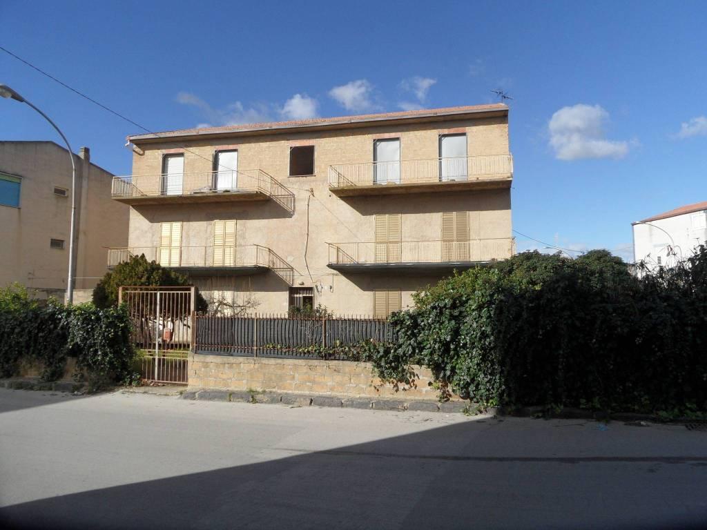 Appartamento in Vendita a Aragona: 4 locali, 200 mq
