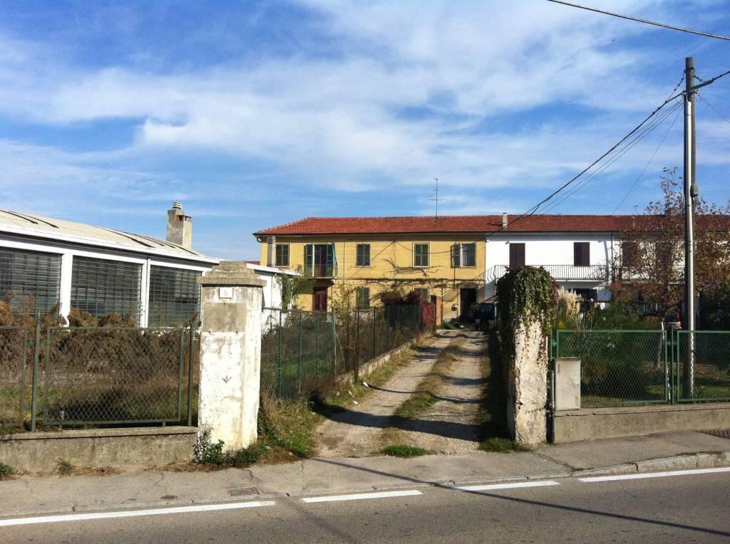 Capannone in vendita a Chieri, 9999 locali, prezzo € 500.000   PortaleAgenzieImmobiliari.it