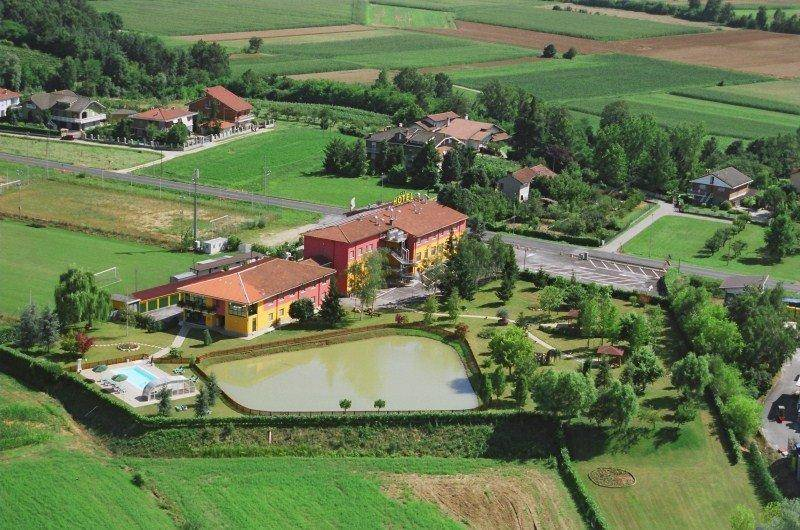 Albergo in vendita a Pralormo, 6 locali, prezzo € 1.500.000 | CambioCasa.it