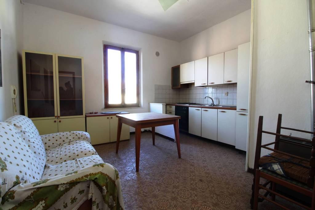 Appartamento in Vendita a Pontedera Semicentro: 2 locali, 50 mq