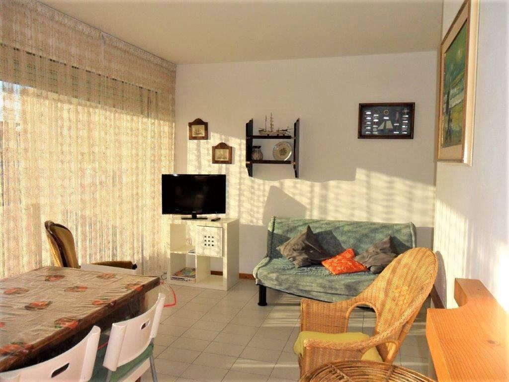 Appartamento in vendita a Camaiore, 3 locali, prezzo € 590.000 | CambioCasa.it