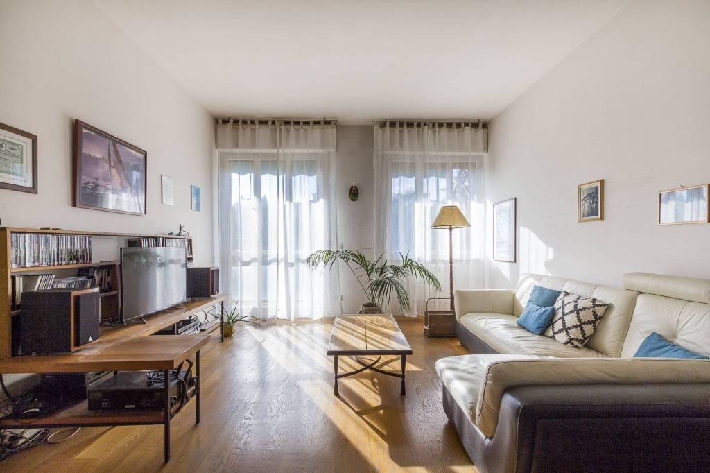 Appartamento in Vendita a Arezzo Periferia Est: 4 locali, 97 mq