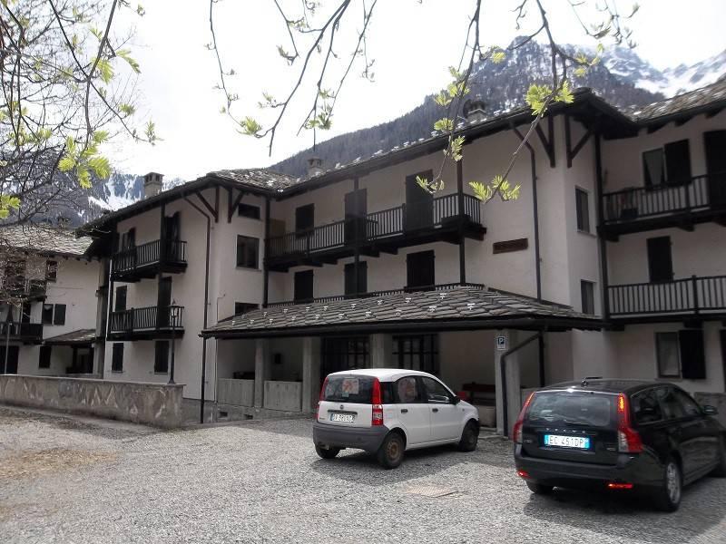 Appartamento in vendita a Gressoney-Saint-Jean, 2 locali, prezzo € 150.000 | PortaleAgenzieImmobiliari.it