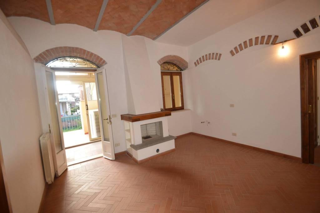 Appartamento in ottime condizioni in vendita Rif. 7542009