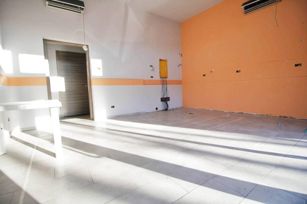 Negozio / Locale in affitto a Castellanza, 1 locali, prezzo € 600 | PortaleAgenzieImmobiliari.it