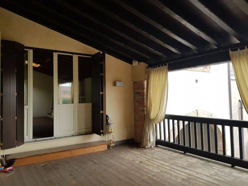 Attico / Mansarda in affitto a Flero, 3 locali, prezzo € 750 | PortaleAgenzieImmobiliari.it