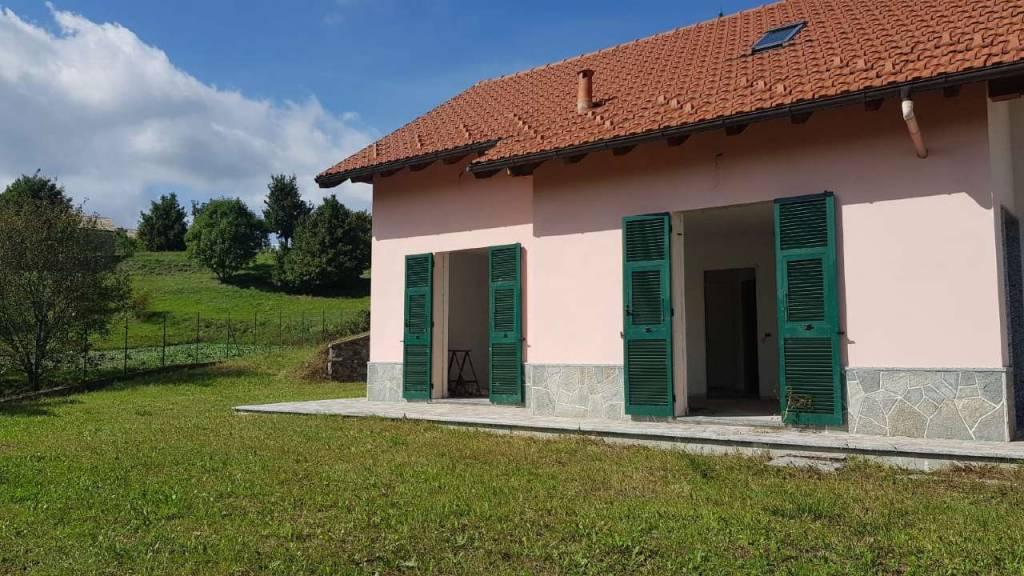 Villa in vendita a Montoggio, 10 locali, prezzo € 295.000 | CambioCasa.it