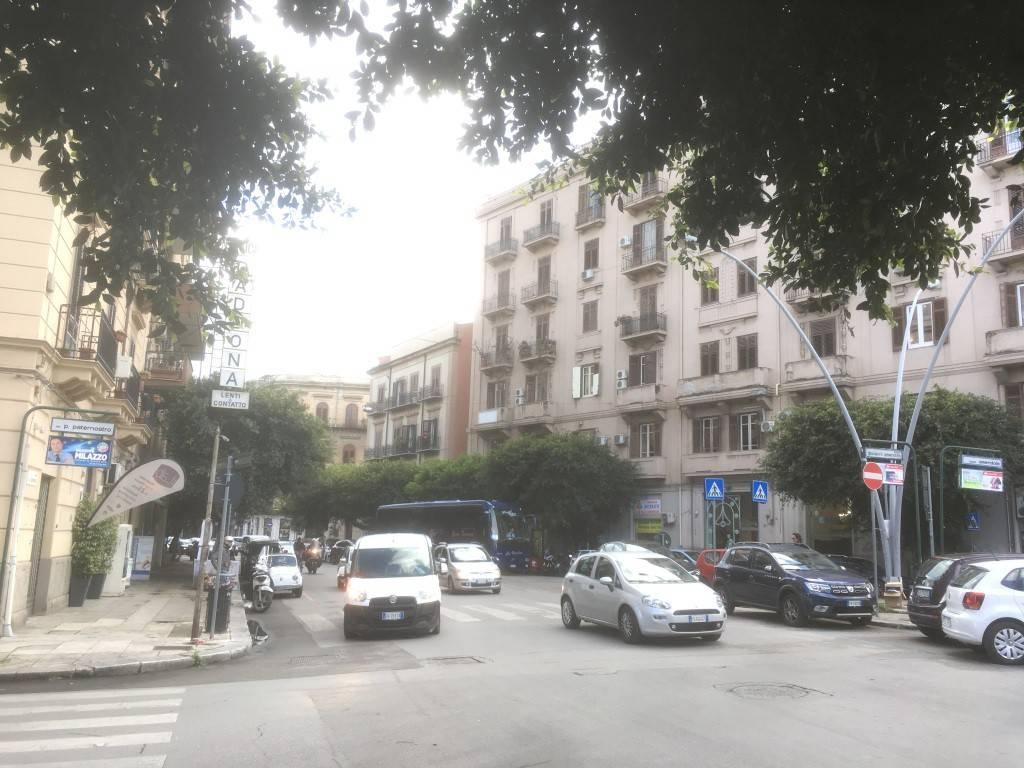 Ufficio-studio in Vendita a Palermo Centro:  2 locali, 50 mq  - Foto 1