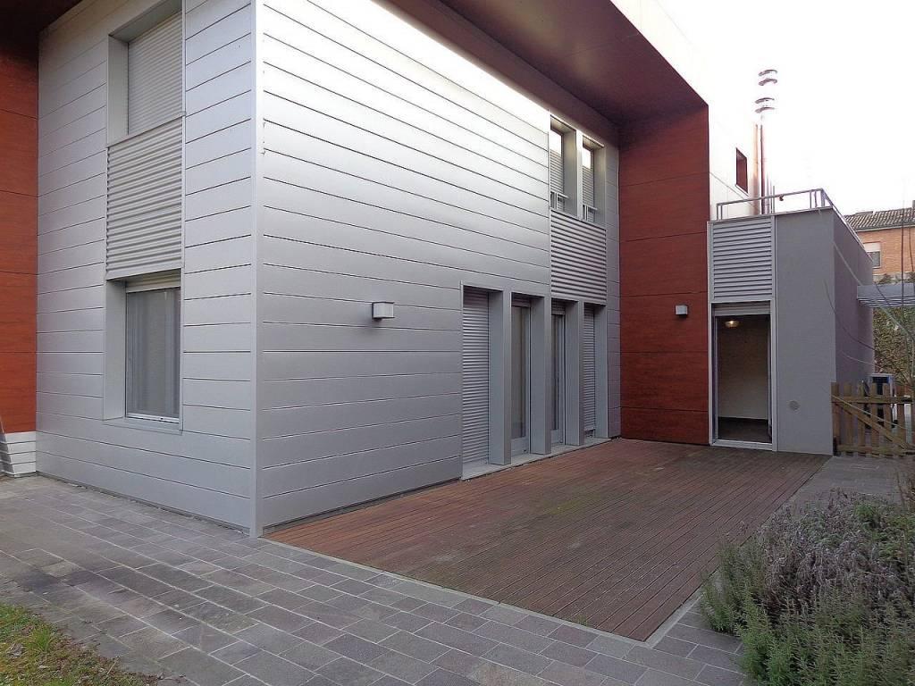 Villa in Affitto a Ferrara Centro: 5 locali, 170 mq