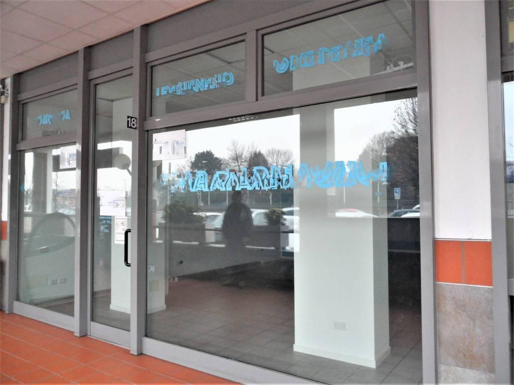 Negozio / Locale in vendita a Mariano Comense, 1 locali, prezzo € 140.000 | PortaleAgenzieImmobiliari.it