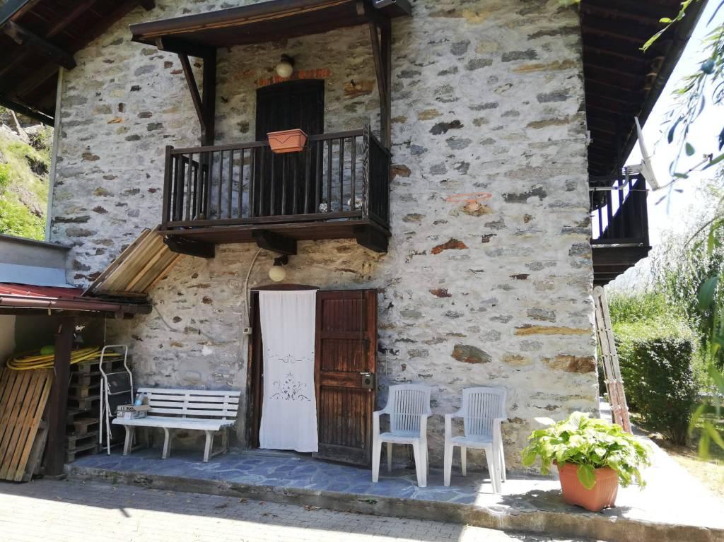 Rustico / Casale in vendita a Sparone, 5 locali, prezzo € 98.000 | CambioCasa.it
