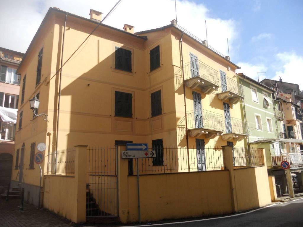 Foto 1 di Bilocale piazza Aldo Gastaldi, Torriglia