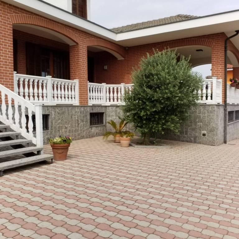Foto 1 di Villa Regione Berga 13, frazione Cappella Della Stella, Macello