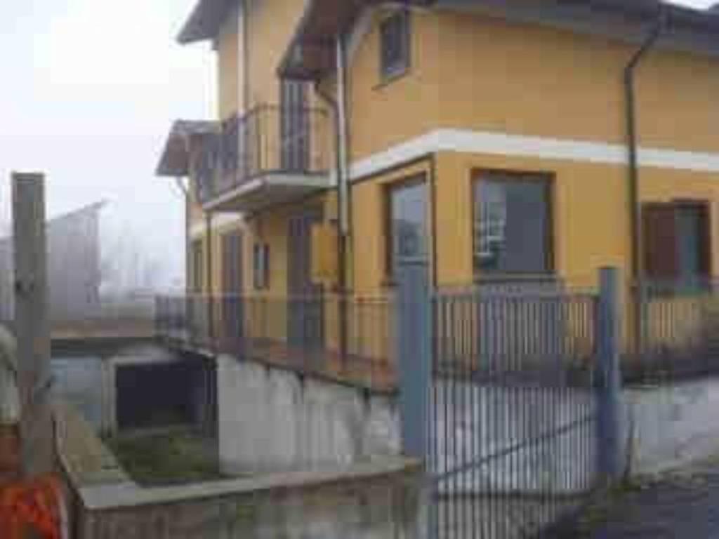 Appartamento in vendita a Miradolo Terme, 10 locali, prezzo € 59.327 | PortaleAgenzieImmobiliari.it