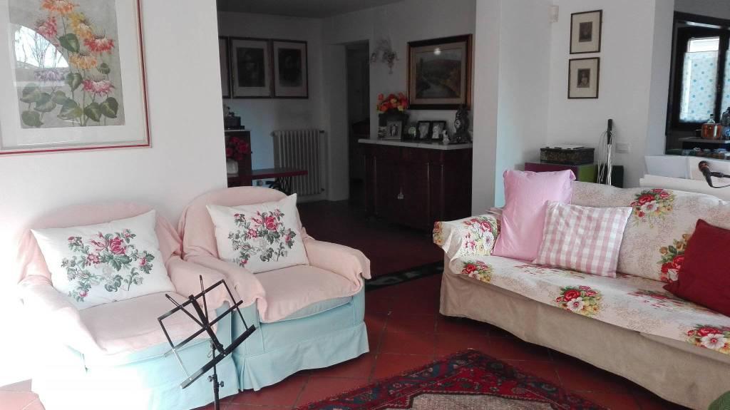 Appartamento in Vendita a Pontedera Semicentro: 5 locali, 227 mq
