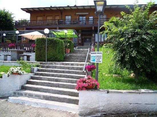 Attivita'-licenza in Vendita a Maranello Periferia: 800 mq