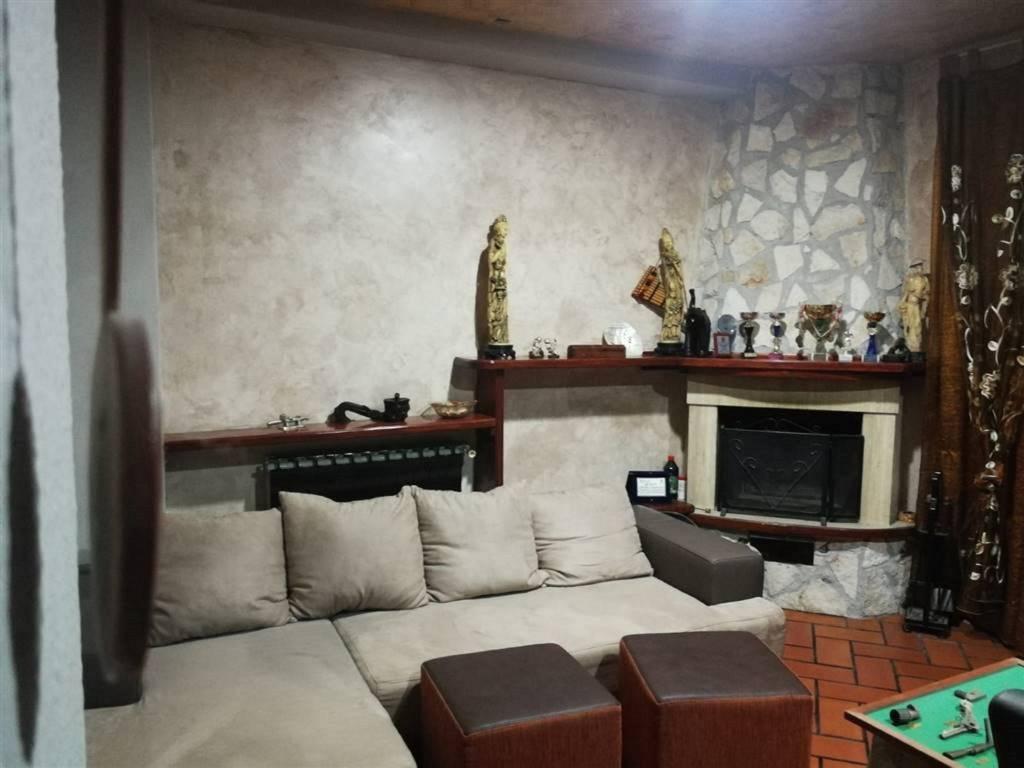Appartamento in Vendita a Belpasso Centro: 4 locali, 110 mq