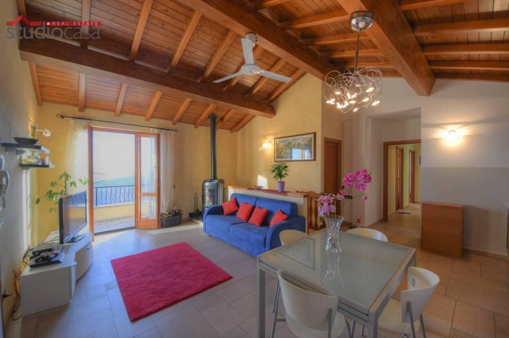 Villa in vendita a Magliolo, 6 locali, prezzo € 395.000 | CambioCasa.it