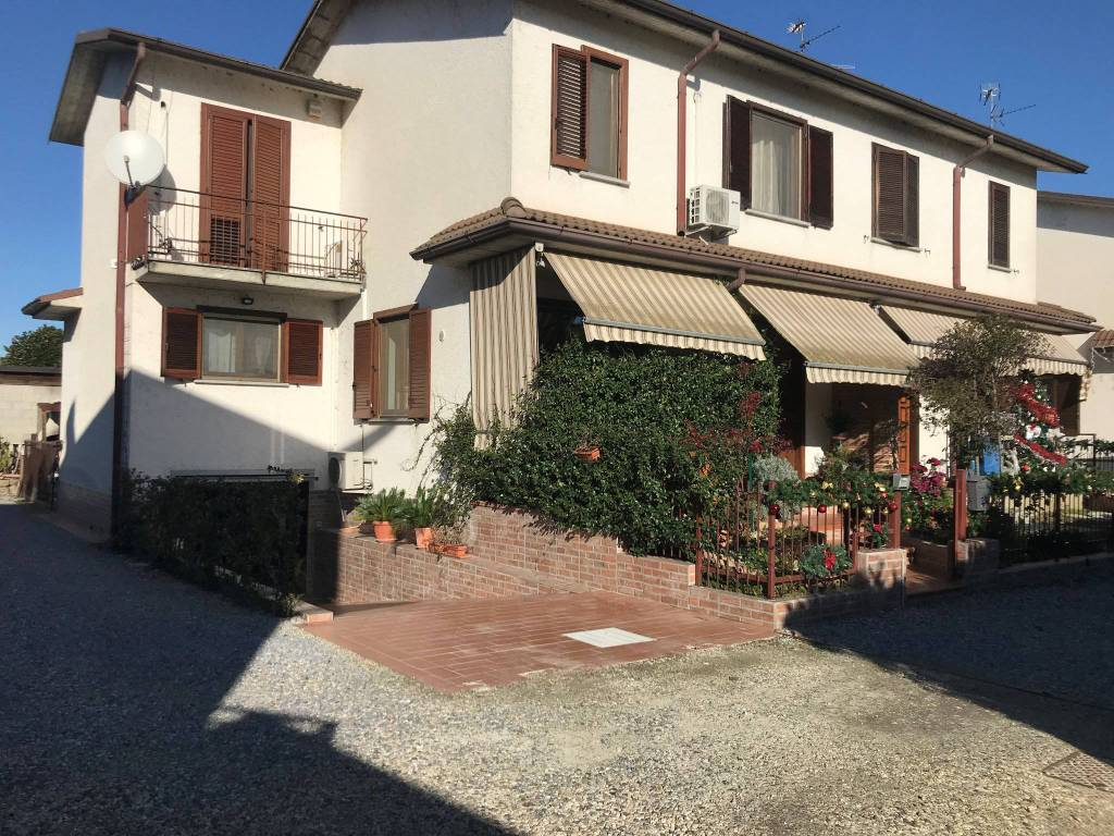 Villa in vendita a Cava Manara, 5 locali, prezzo € 230.000 | PortaleAgenzieImmobiliari.it