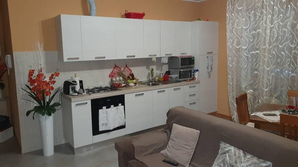 Appartamento in affitto a Cura Carpignano, 1 locali, prezzo € 300 | CambioCasa.it