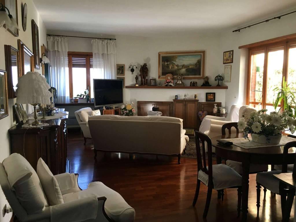 Appartamento in vendita a Leini, 5 locali, prezzo € 210.000 | PortaleAgenzieImmobiliari.it
