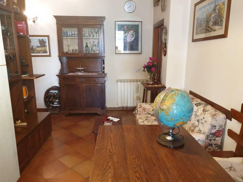 Appartamento in buone condizioni in vendita Rif. 9242751