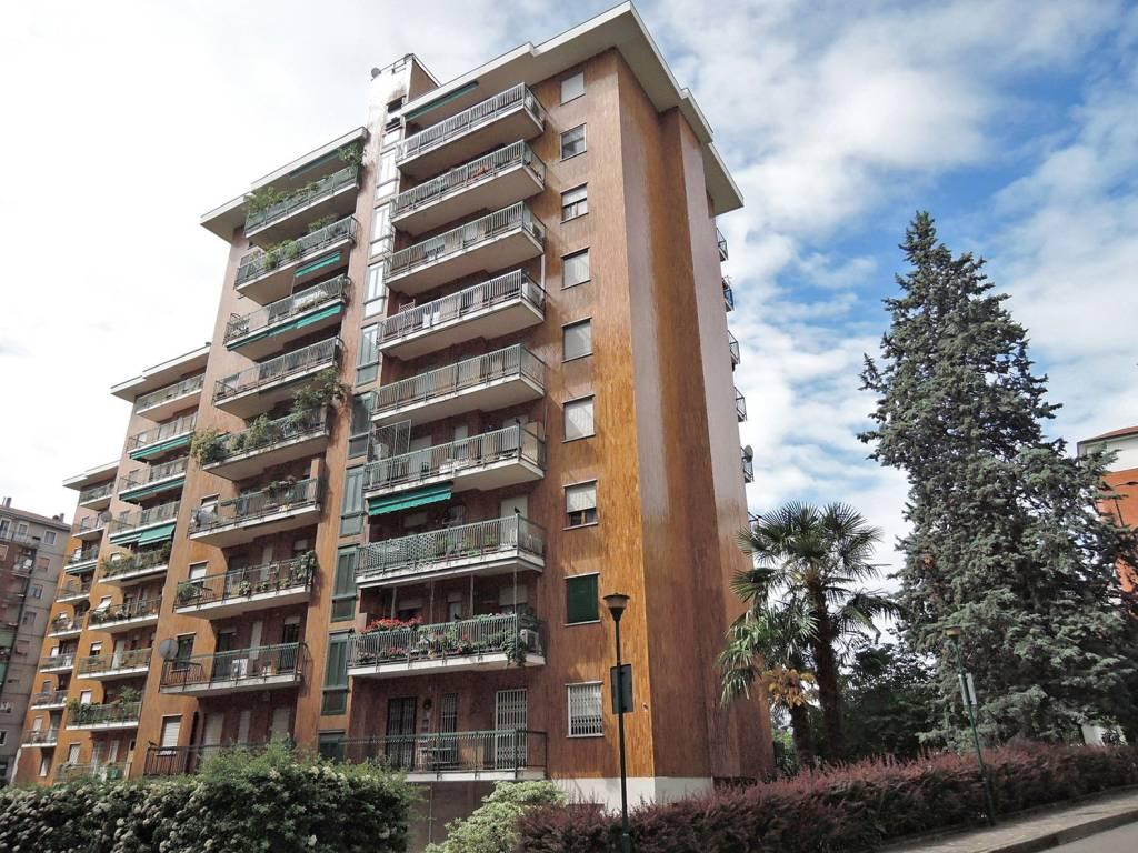 Appartamento in vendita a Milano, 4 locali, zona Zona: 11 . Barona, Giambellino, Lorenteggio, Famagosta, prezzo € 550.000 | CambioCasa.it