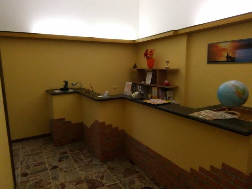 Ufficio / Studio in affitto a Gavirate, 2 locali, prezzo € 480 | PortaleAgenzieImmobiliari.it
