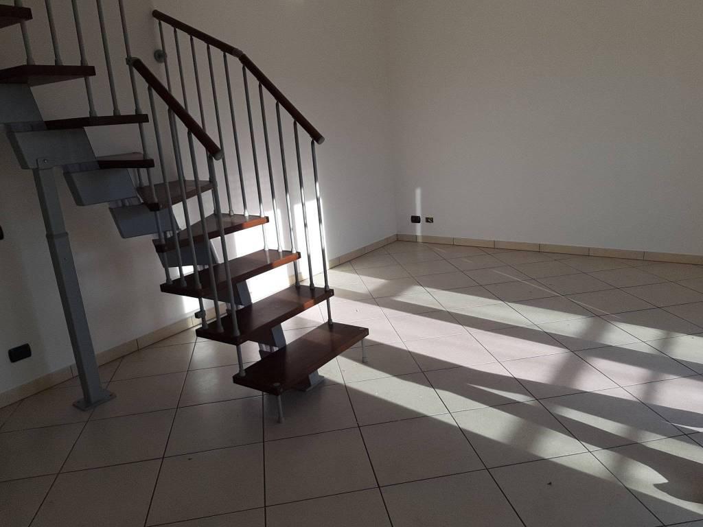 Appartamento in vendita a Olgiate Comasco, 5 locali, prezzo € 219.000 | PortaleAgenzieImmobiliari.it