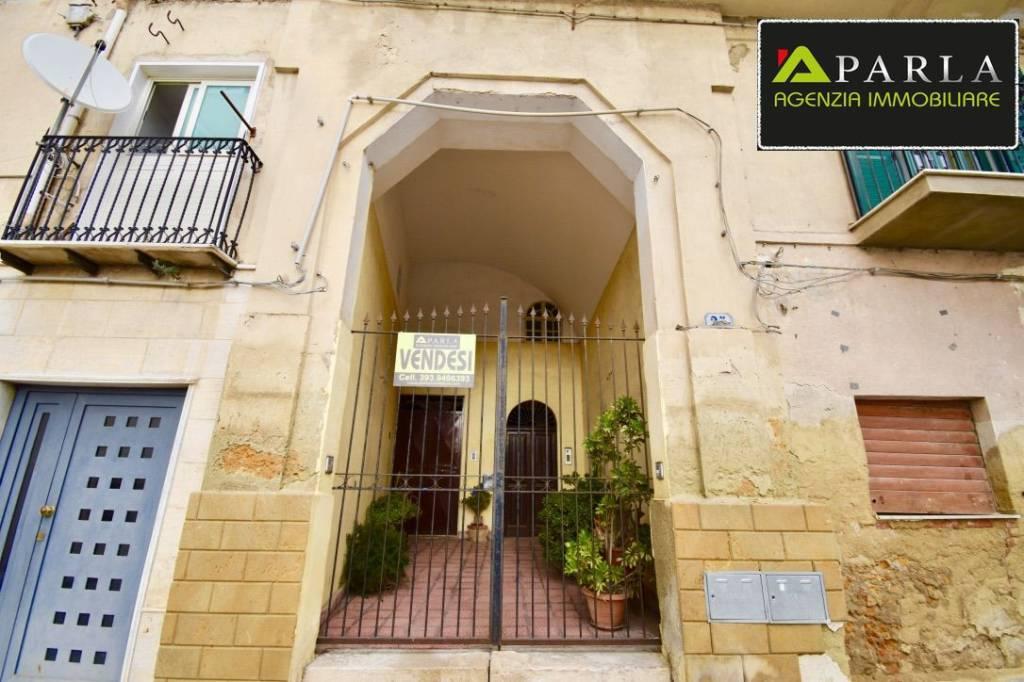Stabile / Palazzo in buone condizioni in vendita Rif. 8862754