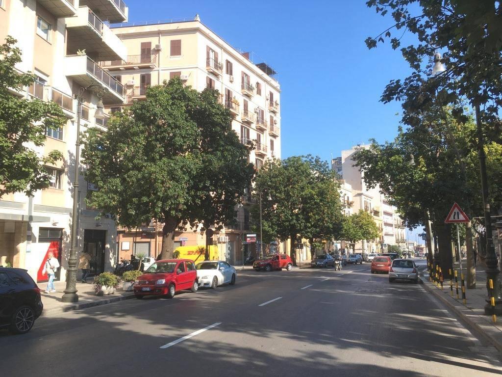Ufficio-studio in Affitto a Palermo Centro: 2 locali, 65 mq