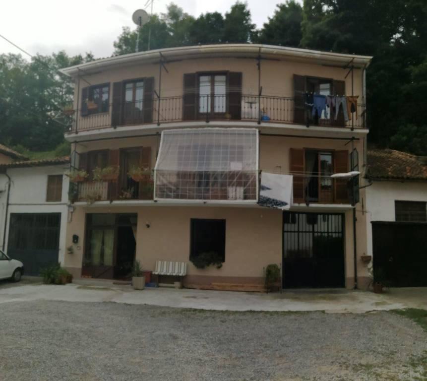 Palazzo / Stabile in vendita a Ceva, 6 locali, prezzo € 180.000   PortaleAgenzieImmobiliari.it