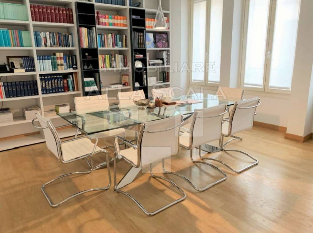Ufficio-studio in Affitto a Milano 01 Centro storico (Cerchia dei Navigli): 5 locali, 165 mq