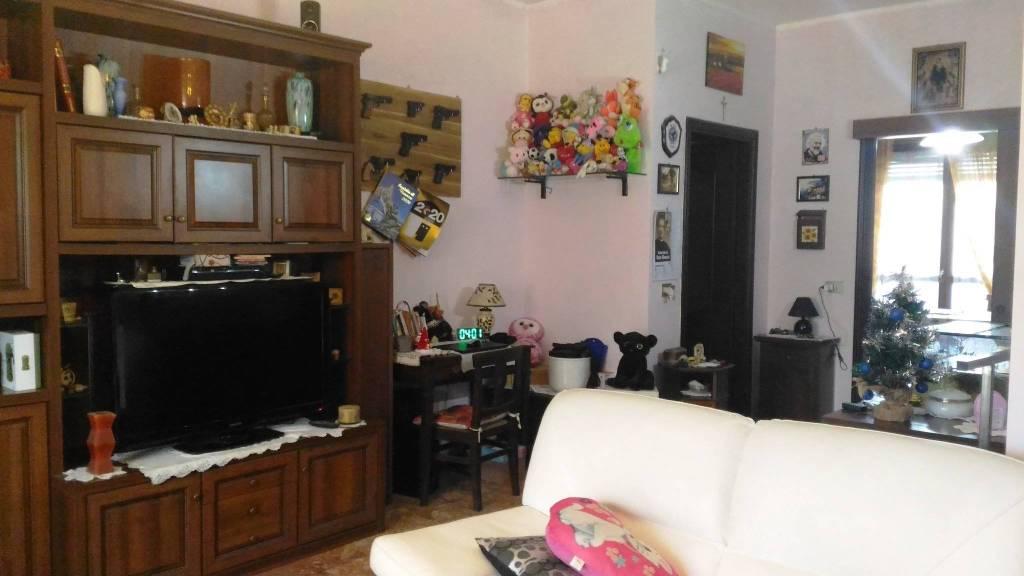 Appartamento in vendita a Castagnito, 4 locali, prezzo € 139.000 | CambioCasa.it