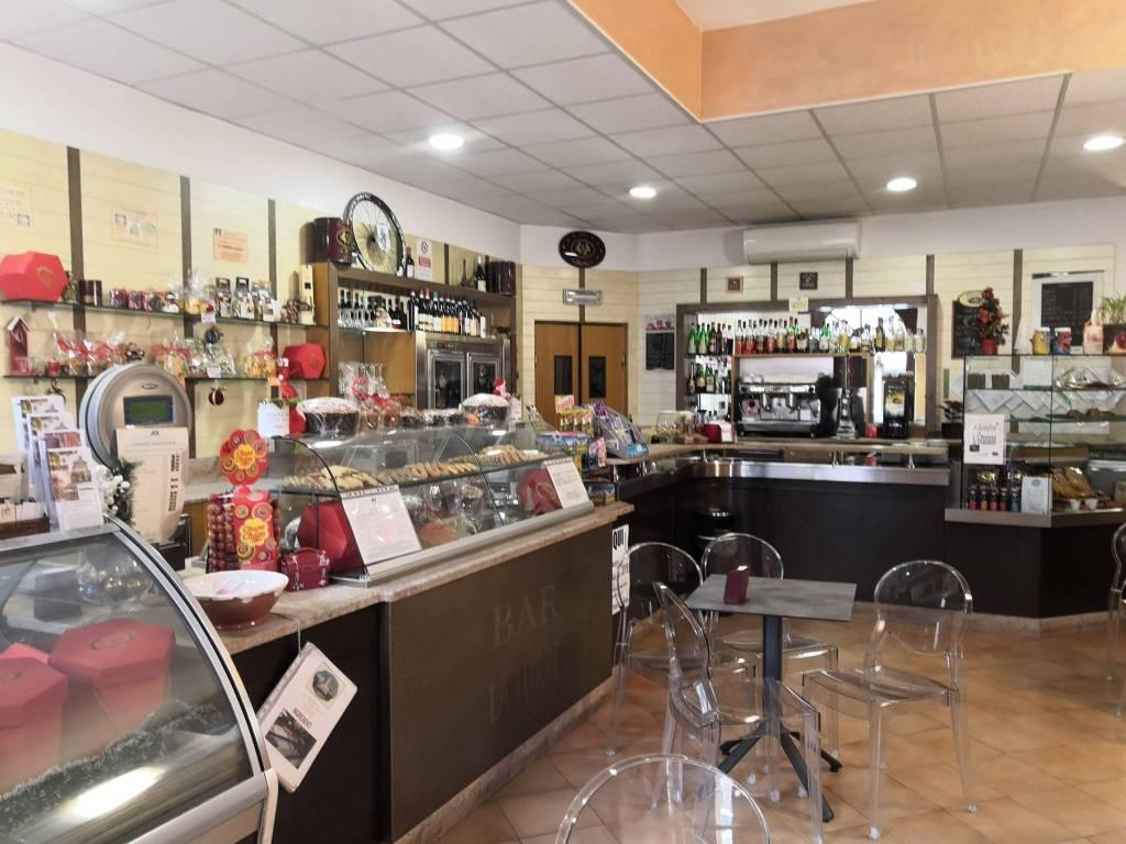 Bar in vendita a Corneliano d'Alba, 3 locali, prezzo € 40.000   PortaleAgenzieImmobiliari.it